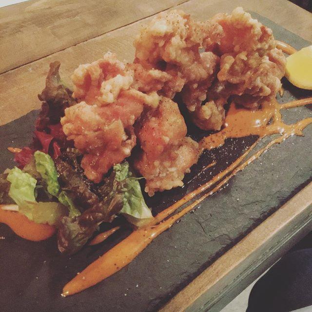 鶏とからあげ料理は全てアートに仕上げるのがaux style #aux #yoyogipark #yoyogihachiman #karaage #karaagechicken - from Instagram