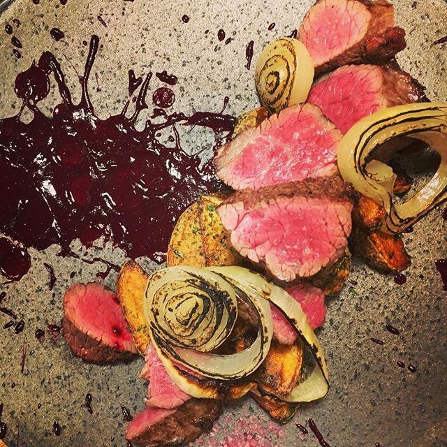 牛ステーキ低温で仕上げてみました。 beef steak dooon - from Instagram